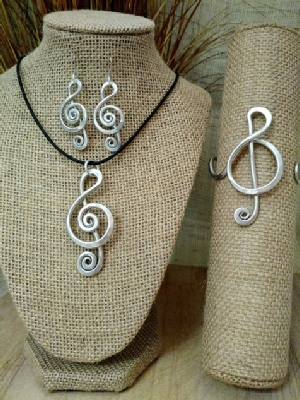 Music Notes Necklace, or  Earrings, or Wristlets