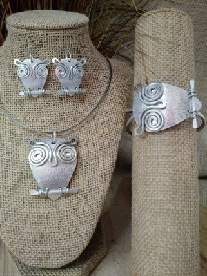 Wise Old Owl Necklace Earrings Wristlet