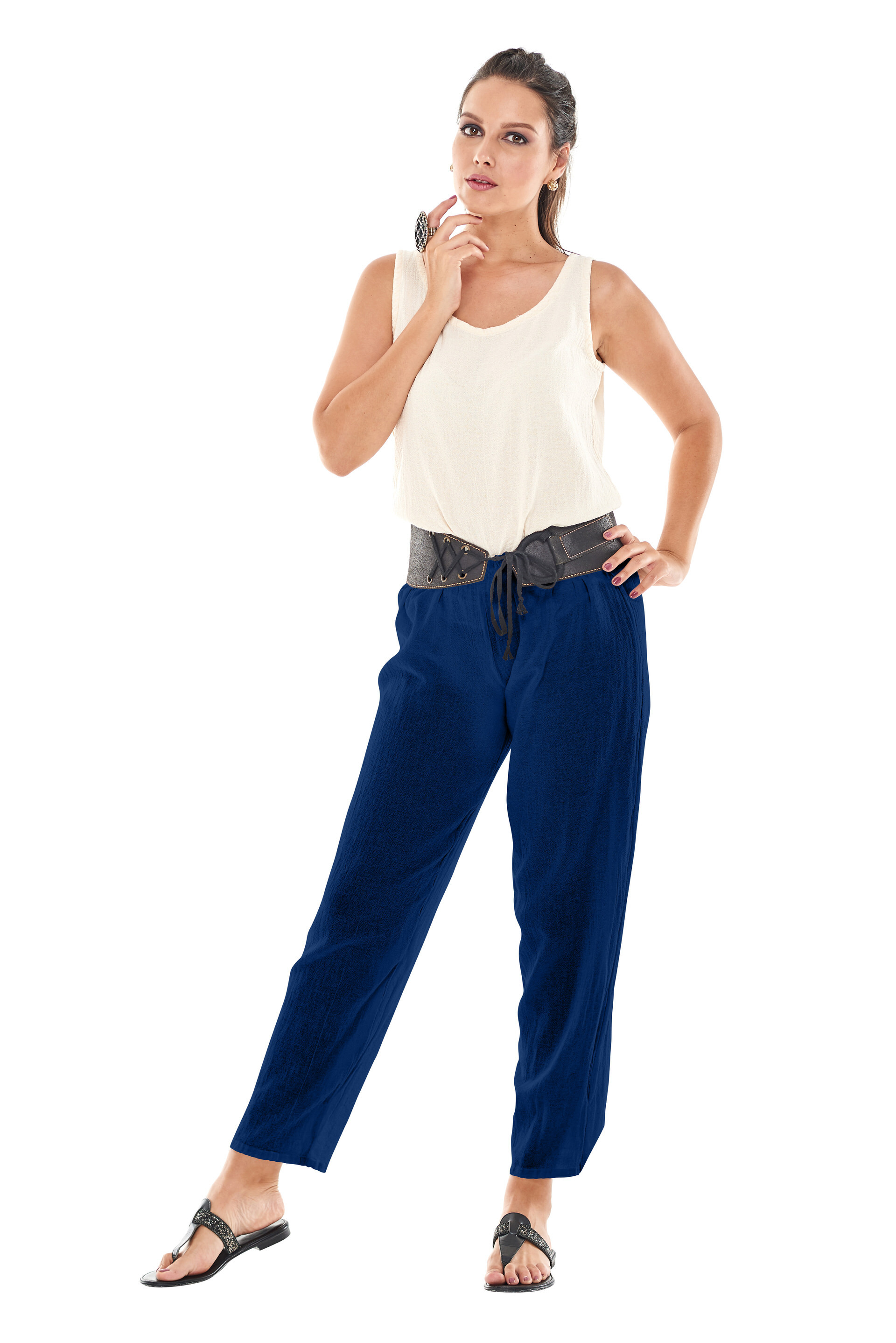 OMG - A simple cotton gauze pant in a slender cut and tapered leg.