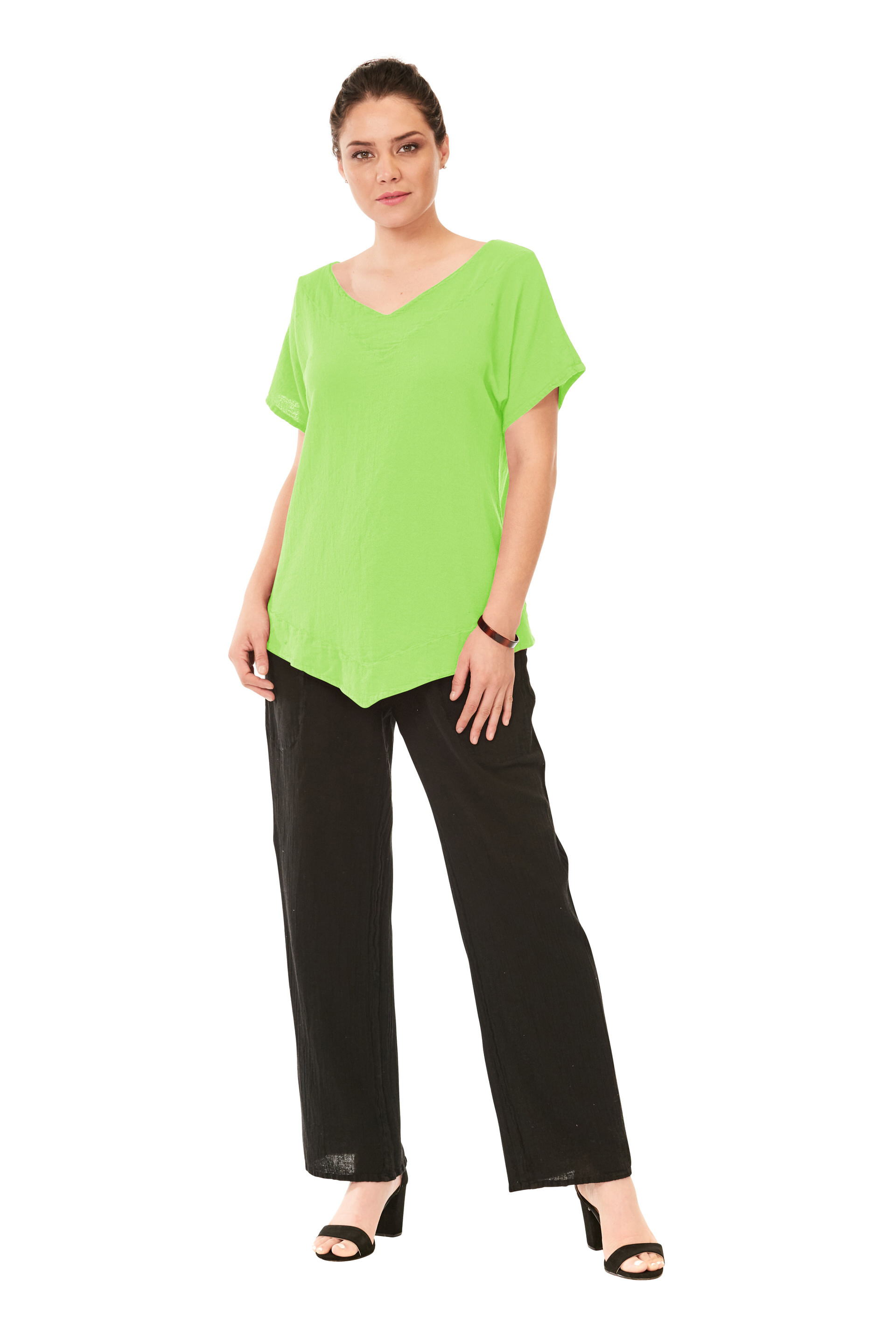 OMG - A subtle V-neck cotton gauze top with delicate point detail at the bottom and short capped sleeves.