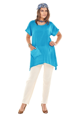OMG - A short sleeve cotton gauze top with side points and a single soft pocket detail.