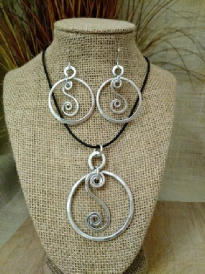 Circle S Necklace Earrings